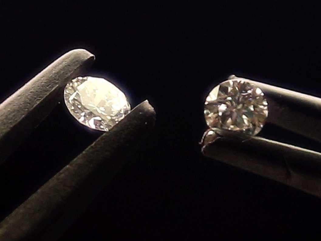 الماس تقلبی